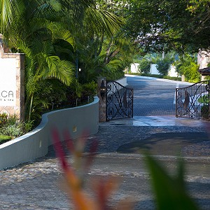 garza-blanca-resort-beachside-access